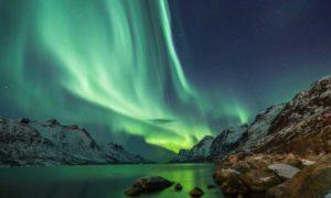 ijsland-noorderlicht-440x264
