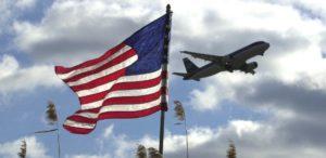 midia-indoor-tv-celular-wap-united-airlines-aviao-filadelfia-philadecphia-philadelfia-bandeira-eua-aviacao-aeroporto-decolagem-pouso-aterrissagem-viagem-internacinoal-1306952620967_615x300