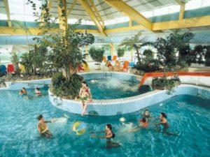 Toverland-Vakantiepark-Weerterbergen-zwembad